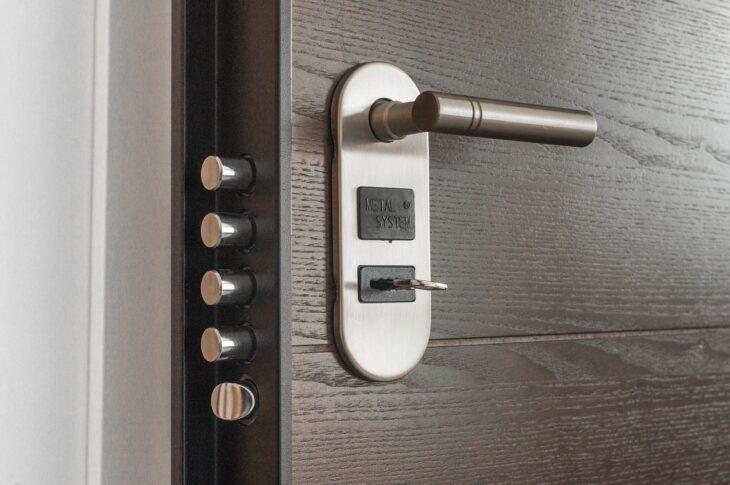 chiave rimasta bloccata nella serratura